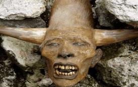 antigua raza humana con cuernos y mas de 2 metros de altura encontrados en america del norte - inicio