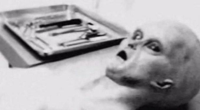 Una nueva prueba indicaría que la autopsia a un extraterrestre en la misteriosa Área 51 fue real