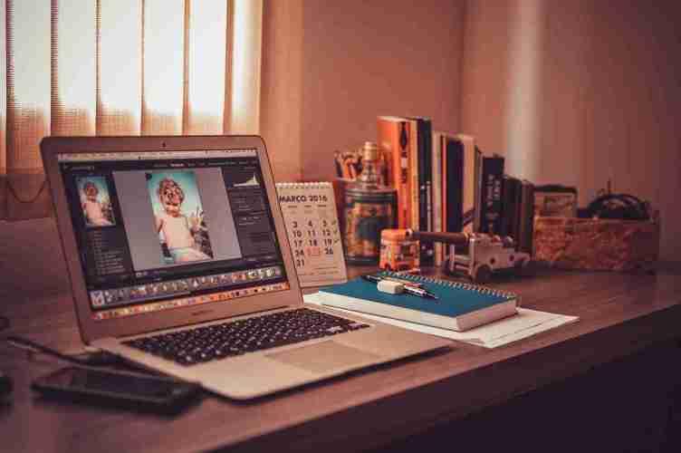 العمل وكسب المال عبر الإنترنت