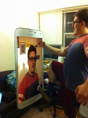 08-selfie