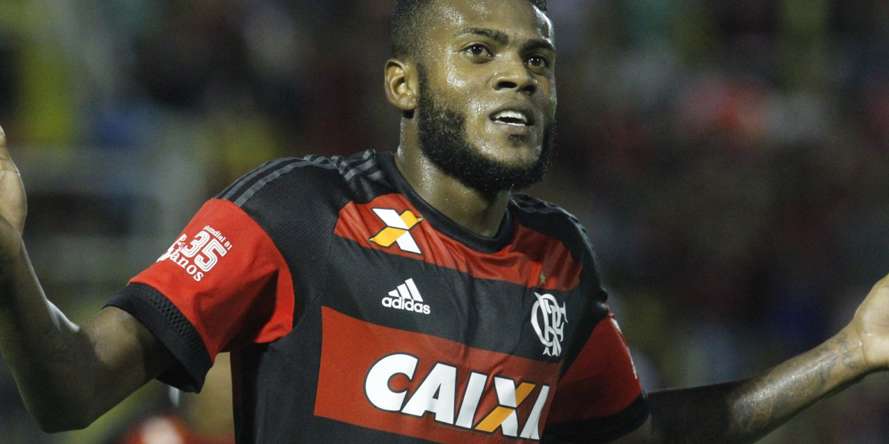 Muito confiante, Cirino marca dois e Flamengo se classifica na Copa do Brasil
