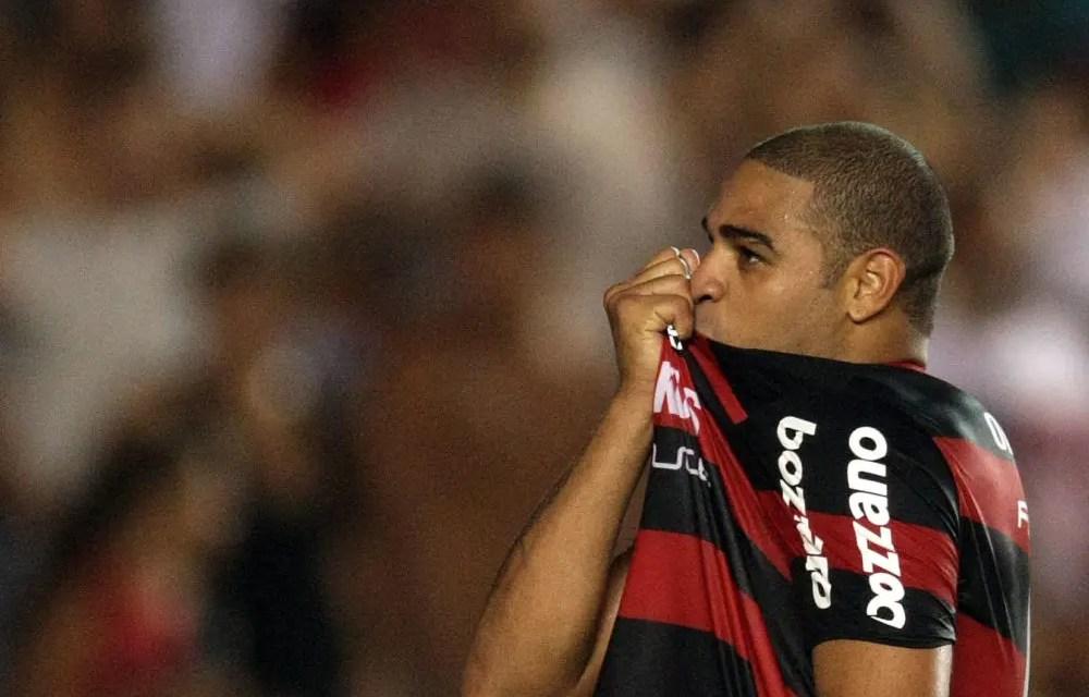 """Ídolo do Flamengo, Imperador revela: """"Amanhã estamos na Fla TV"""""""