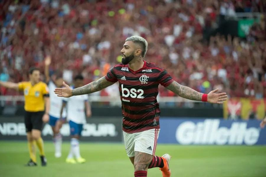 Dois gols de Gabigol, duas assistências de Arrascaeta: Fla 2 a 0 no Fortaleza