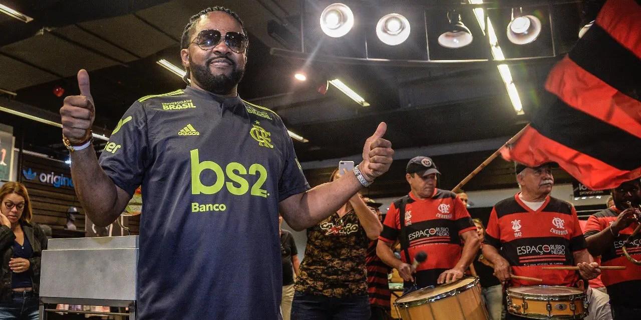 Com direito a Xande de Pilares, Fla lança terceira camisa na Gávea