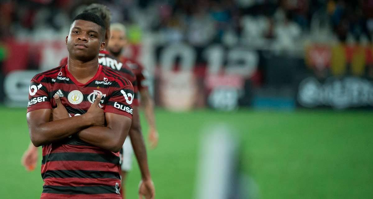 Notas e atuações de Botafogo 0x1 Flamengo