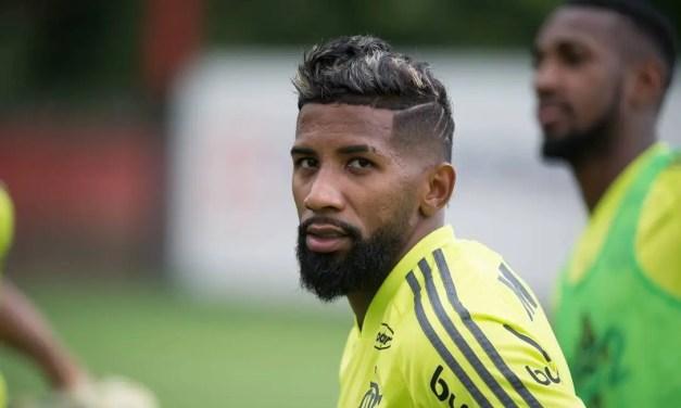 Flamengo encaminha empréstimo de Rodinei ao Internacional