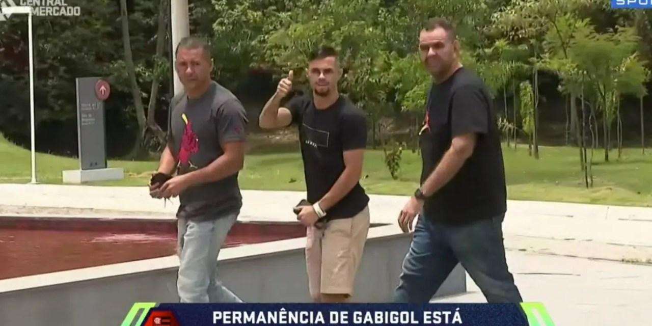 Exames, CT e aeroporto: as primeiras horas de Michael no Flamengo