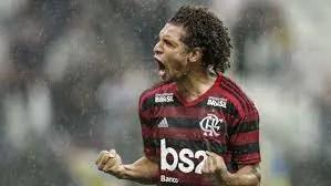 Decano do time, Willian Arão renova pela 3ª vez com o Flamengo