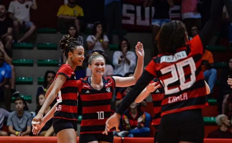 Flamengo tem ótima atuação e vence Curitiba por 3 sets a 0 pela Superliga