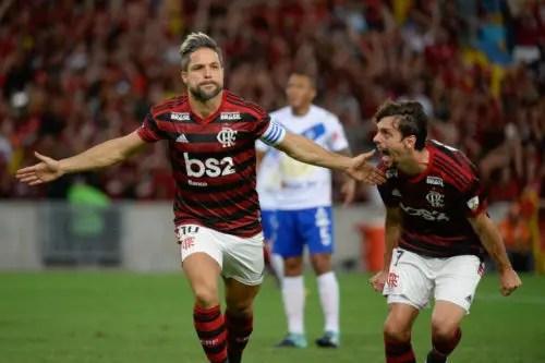 Final da Libertadores: Rodrigo Caio revela importância de Diego no vestiário durante o intervalo