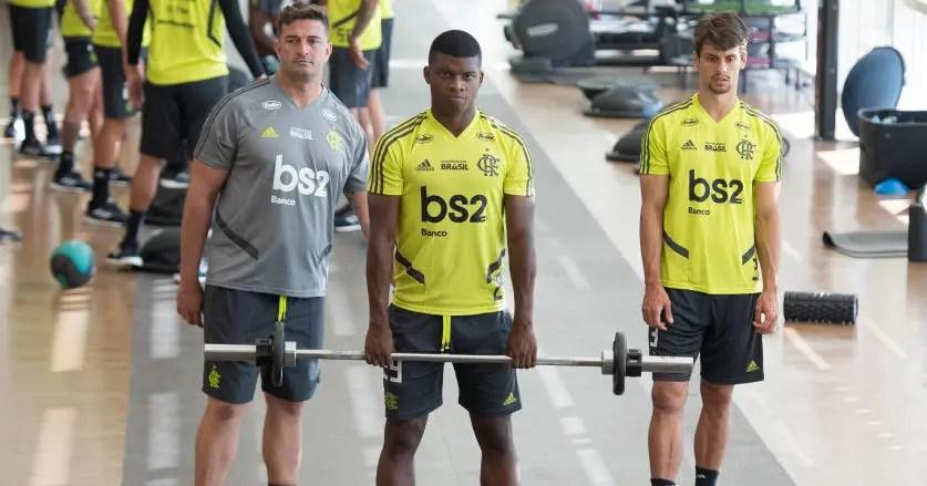Clube russo faz piada no Twitter sobre possível interesse em comprar atacante do Flamengo