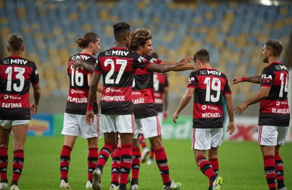 Em jogo marcado como a maior transmissão esportiva no YouTube, Flamengo vence o Boavista