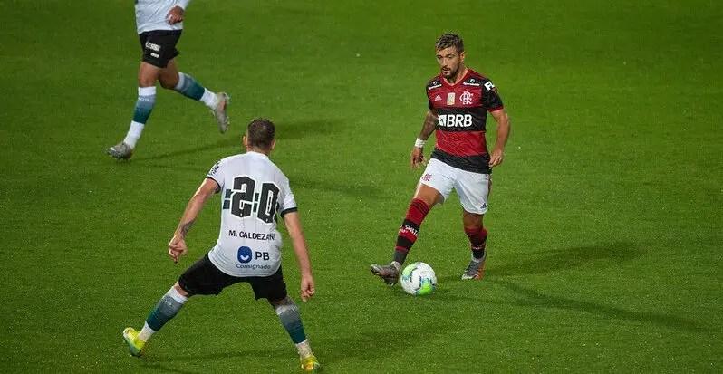 Arrascaeta se consolida na lista de artilheiros do Flamengo; veja o ranking