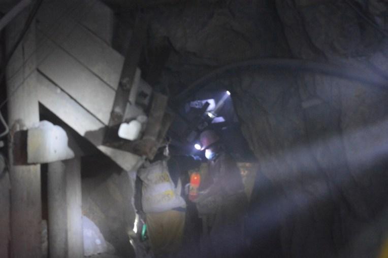 Dentro das minas de Potosí