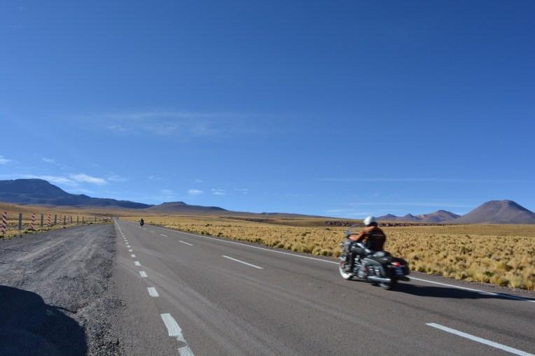 Estrada para o Salar de Tara, no Deserto do Atacama