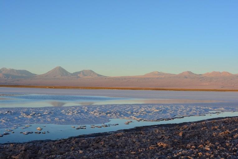 Ao fundo da lagoa Tebinquiche, os irmãos Juriques e Lincanray.