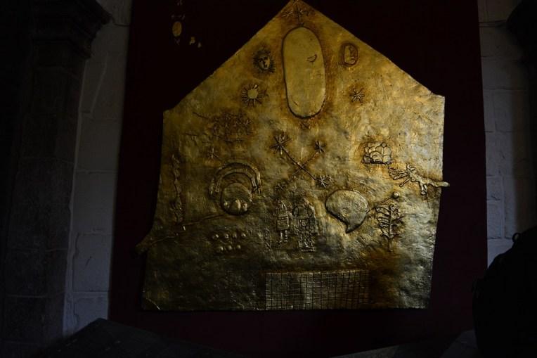 Réplica de um painel de ouro que deveria cobrir todo o Qoricancha