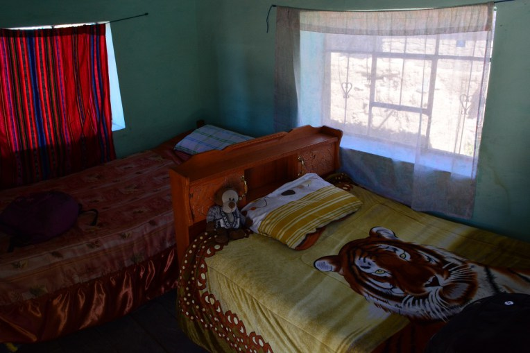 Nosso quarto era simples, mas bem aconchegante em Amantani, Titicaca