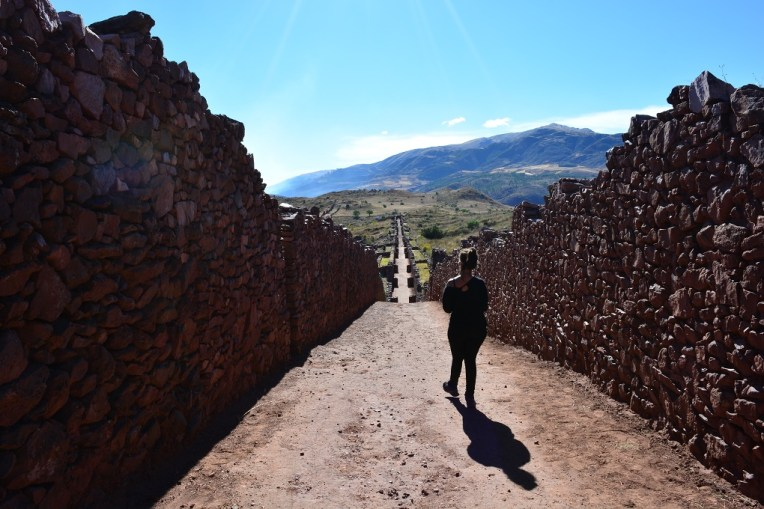 Muralhas da cidade inca de Pikillacta