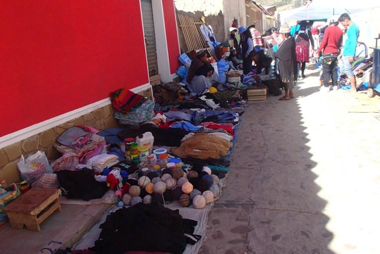 Produtos à venda pelas ruas de Tarabuco