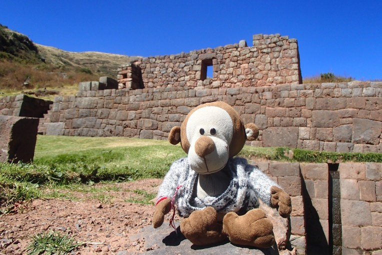 Mucuvinha nas ruínas de Tipón.