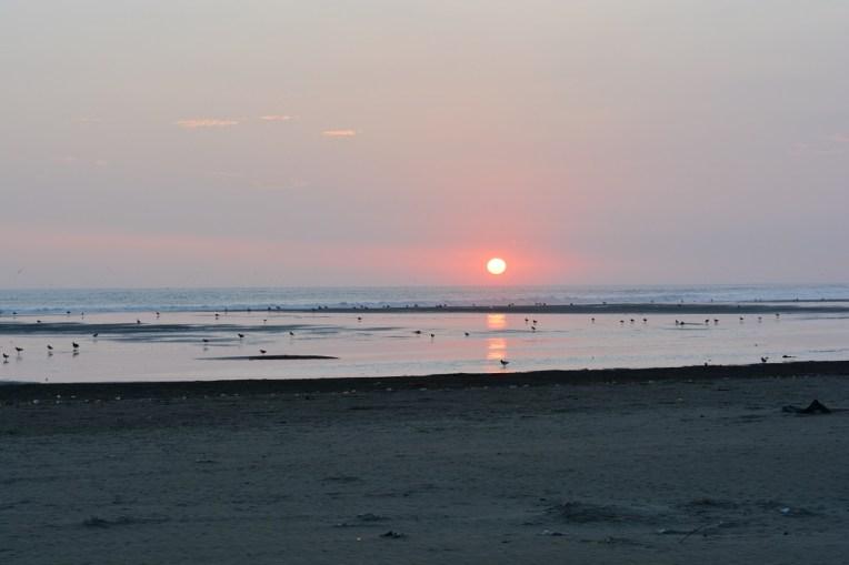 Pôr-do-sol no Pacífico, em Caleta Vidal
