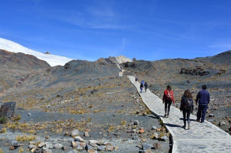 Caminho para o glacial Pastoruri