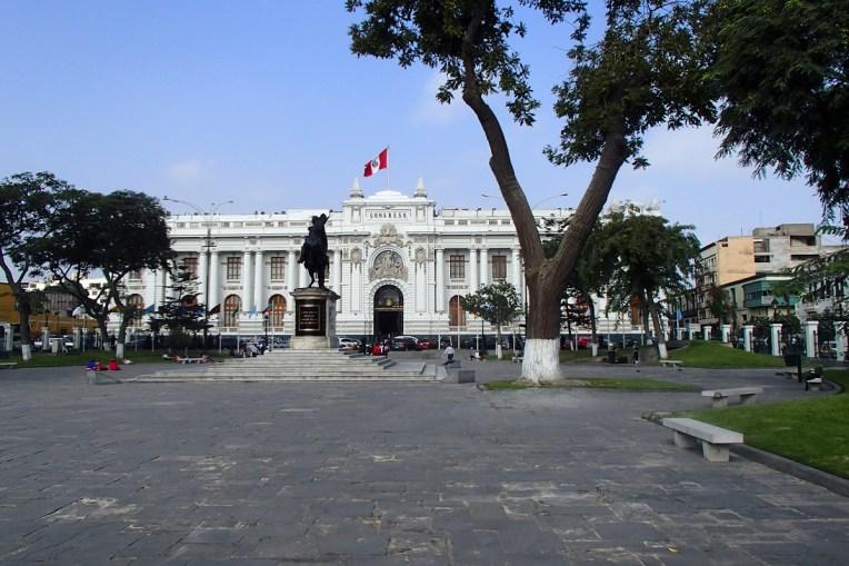 Edifício do Congresso, no centro de Lima