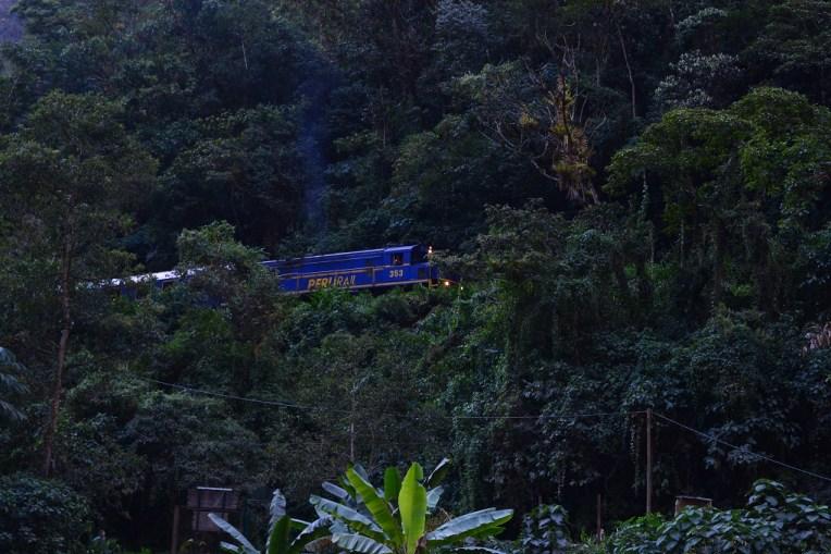 Trem para Águas Calientes, o caminho mais rápido para Machu Picchu