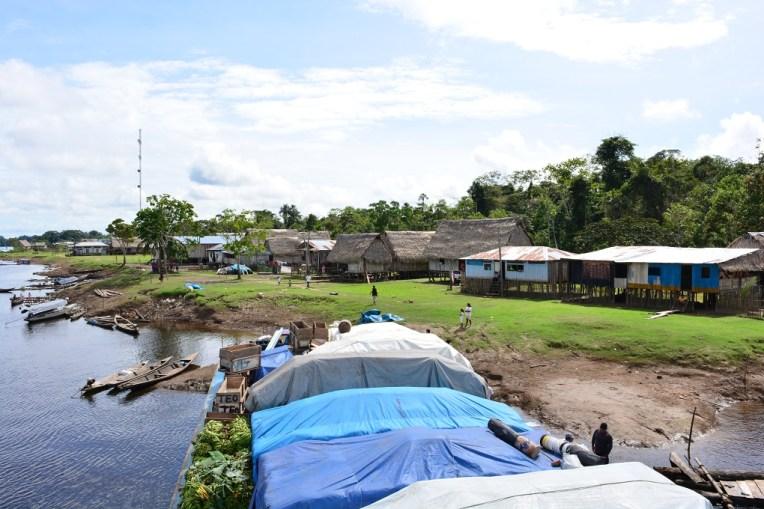 Pequeno vilarejo onde paramos para desembarcar algumas mercadorias