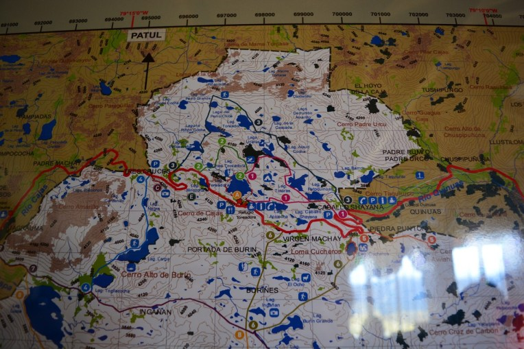 "Mapa do Parque Nacional El Cajas. A entrada principal é onde está o ""A"""