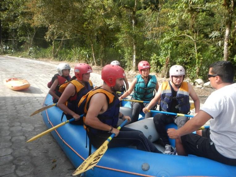 Aula de rafting em Baños, Equador