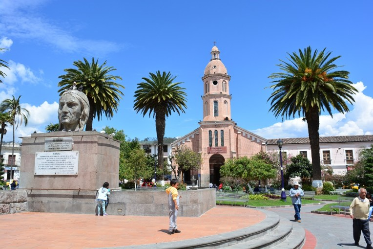 Praça principal de Otavalo