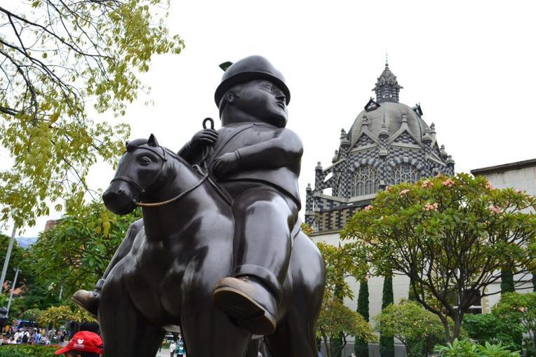 Obra do célebre artista paisa Fernando Botero, no centro de Medellín