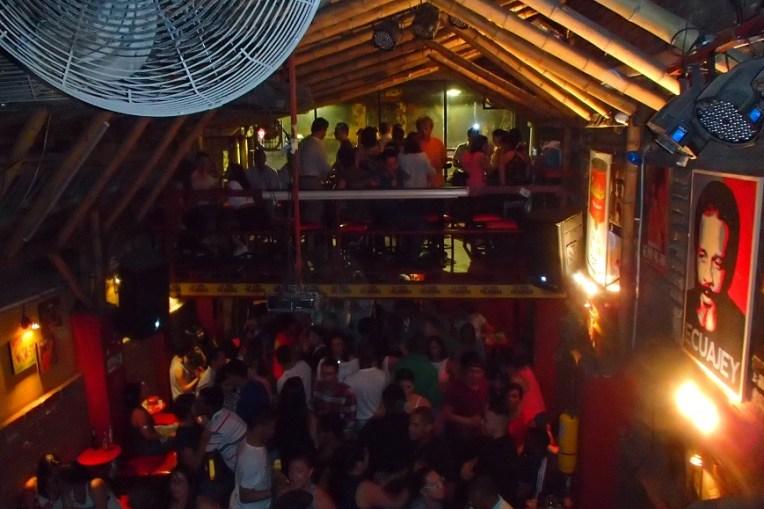 Sexta-feira a noite no La Tolondra