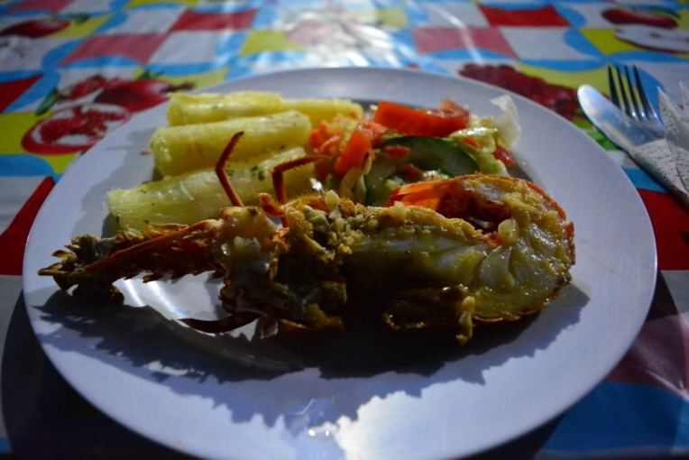 Comendo lagosta em San Blas