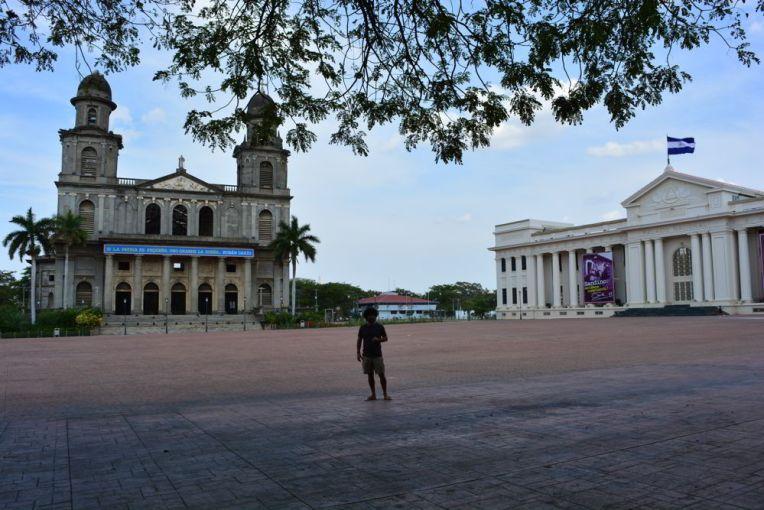 Plaza de la Revolución, Antiga Catedral e Palácio da Cultura em Manágua, Nicarágua