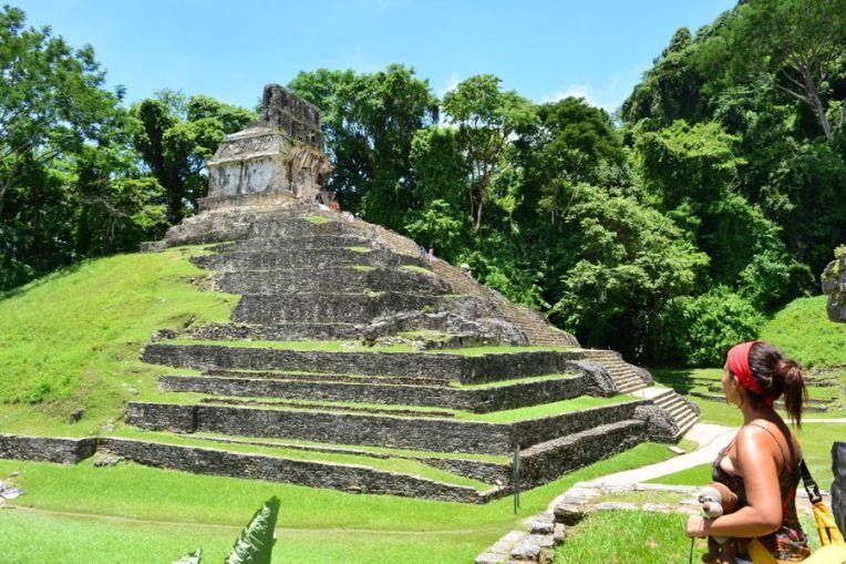 Principal templo do Conjunto das Cruzes em Palenque