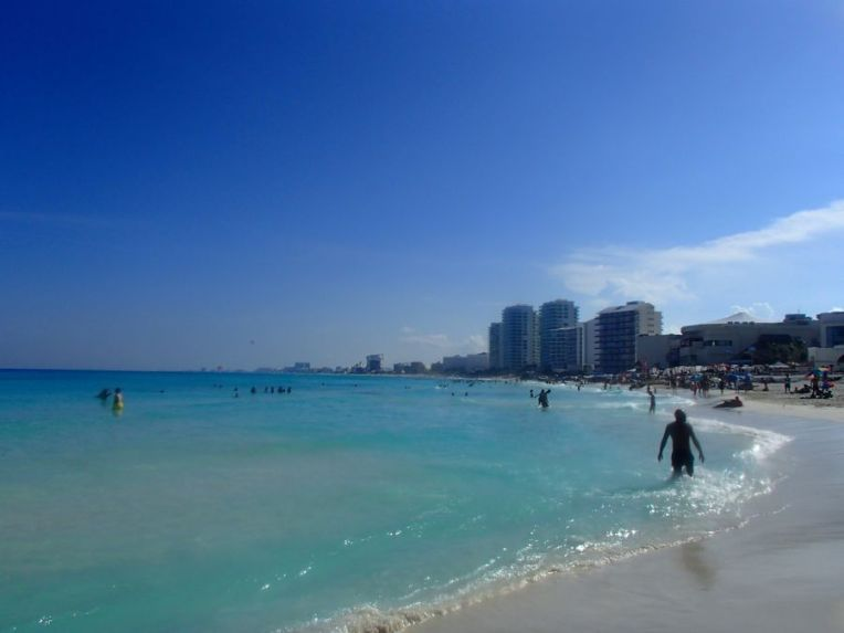 Praia Gaviota Azul
