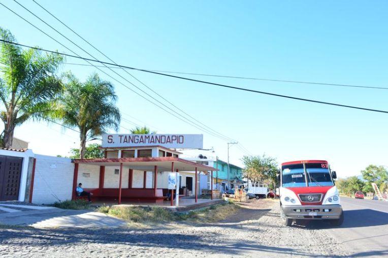 Terminal de ônibus de Tangamandápio