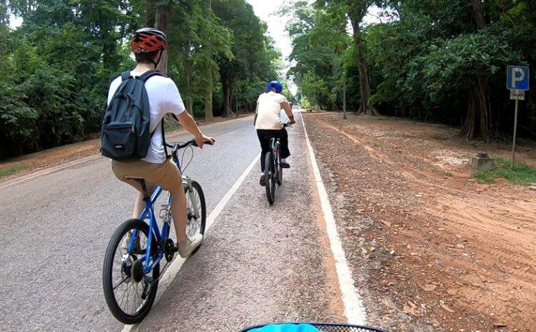 Mountain bikes em Angkor