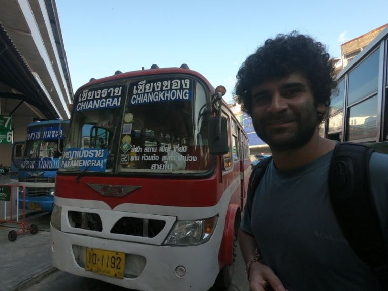 Ônibus Chiang Rai - Fronteira Laos