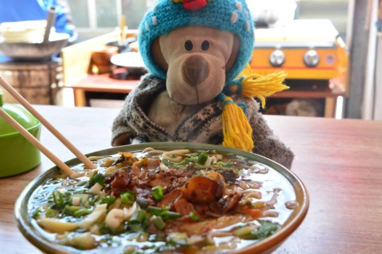 Mucuvinha e o noodles de Yak