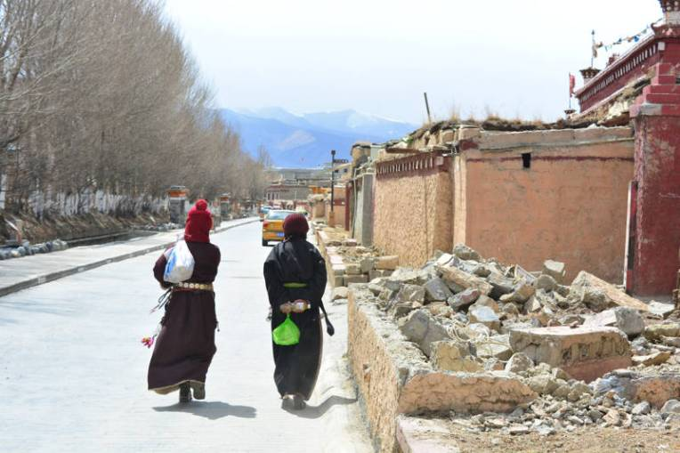 Litang, uma bela cidade no Tibete da China