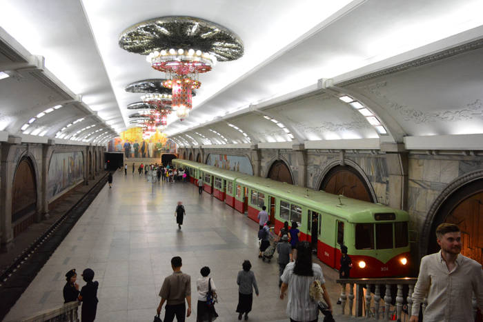 Metrô de Pyongyang, Coreia do Norte