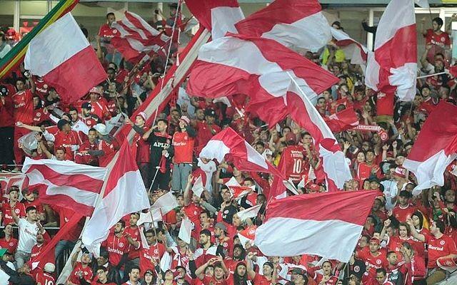Top 10 clubes brasileiros com mais sócios-torcedores - Internacional