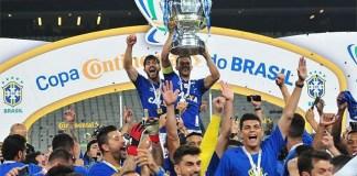 Top 10 clubes com mais títulos nacionais do Brasil