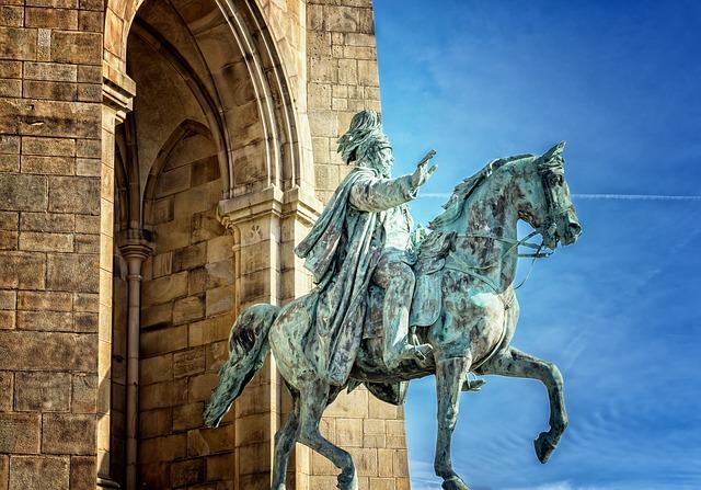 Estátuas simbólicas de cavalos