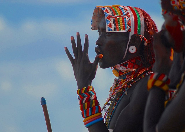 Grupos étnicos e idiomas variados