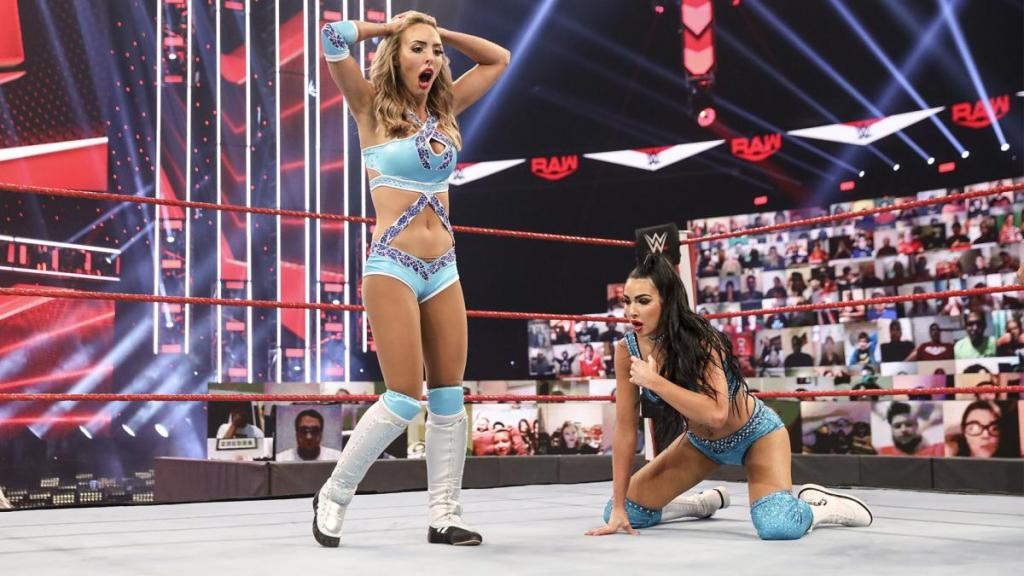 Peyton y Billie tras perder en Raw